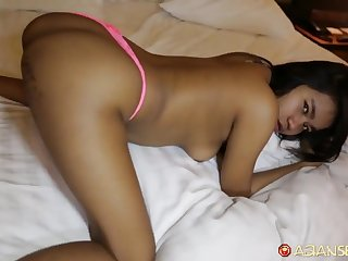 Skinny Asian hooker fucks German tourist