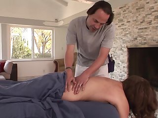Guy fucks married woman after seducing her on the massage table